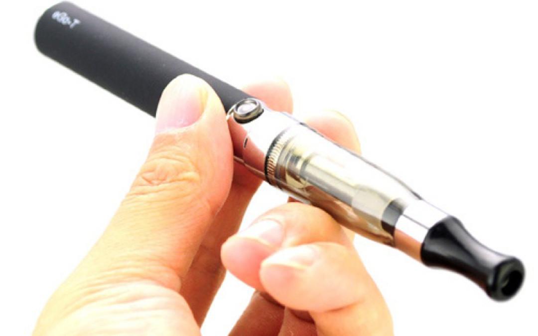 kurenie elektronnyx sigaret prinosit namnogo menshe vreda chem obychnye sigarety - Курение электронных сигарет приносит намного меньше вреда, чем обычные сигареты