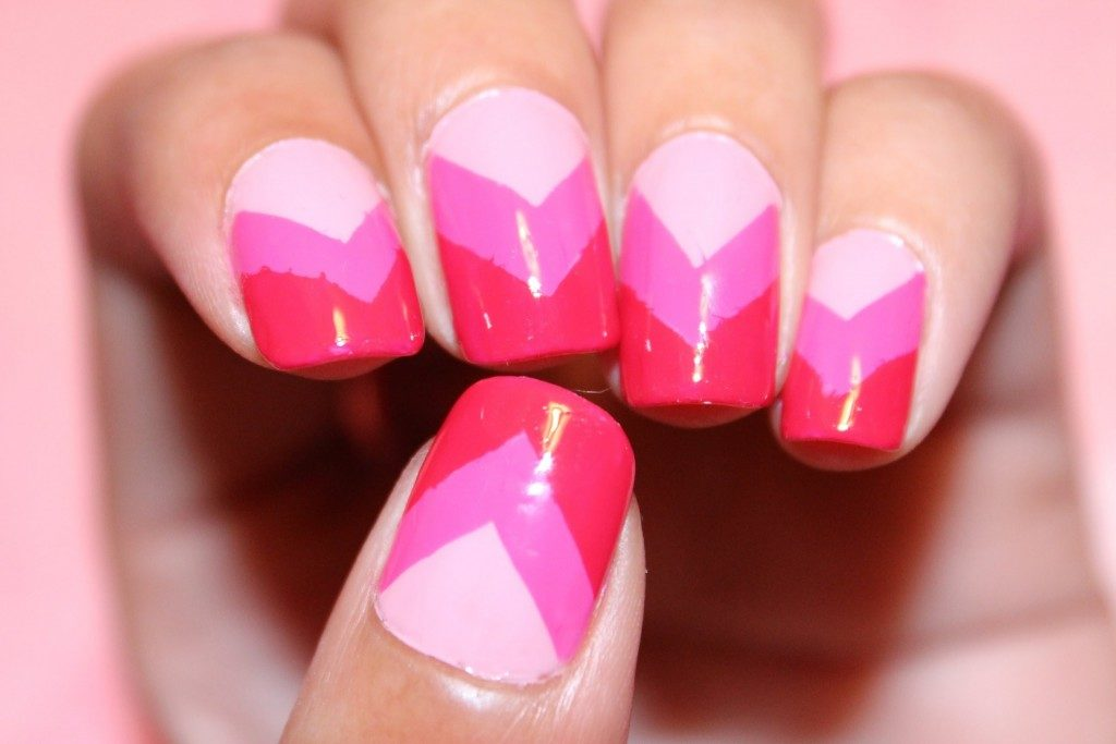 pink and red nails nail art picture ombre chevron 1024x683 - Как ухаживать за ногтями?