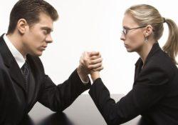 women business men 250x175 - Почему женщин-предпринимателей гораздо меньше, чем мужчин?
