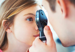 eye doctor istock 250x175 - Травма глаз у ребенка. Что делать и как?