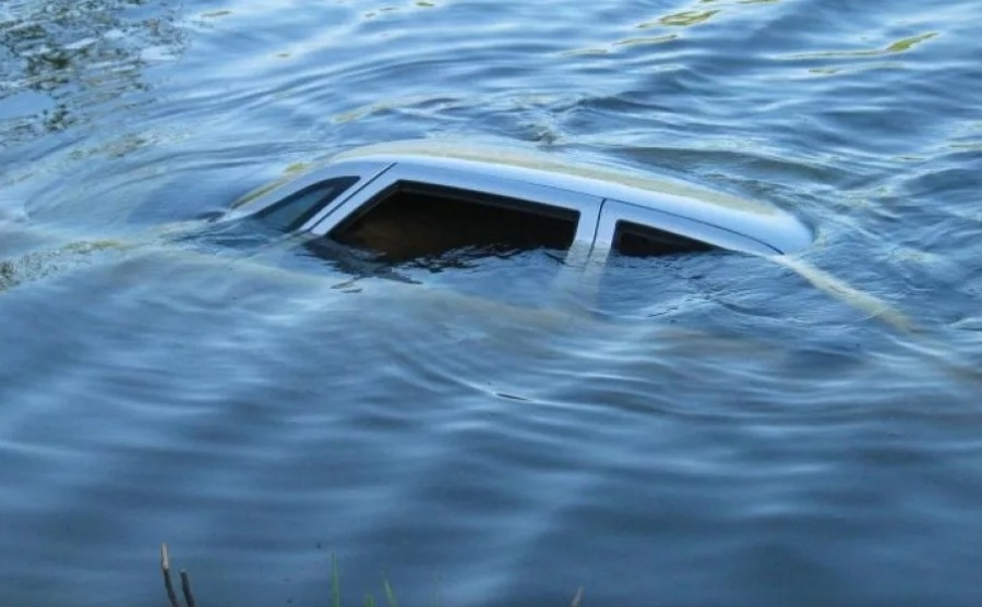 kak opredelit avtomobil utoplennik - Как определить автомобиль утопленник?