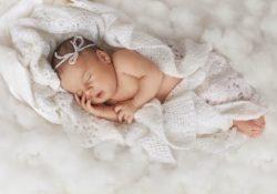 chto podarit novorozhdyonnomu rebenku 250x175 - Что подарить новорождённому ребенку